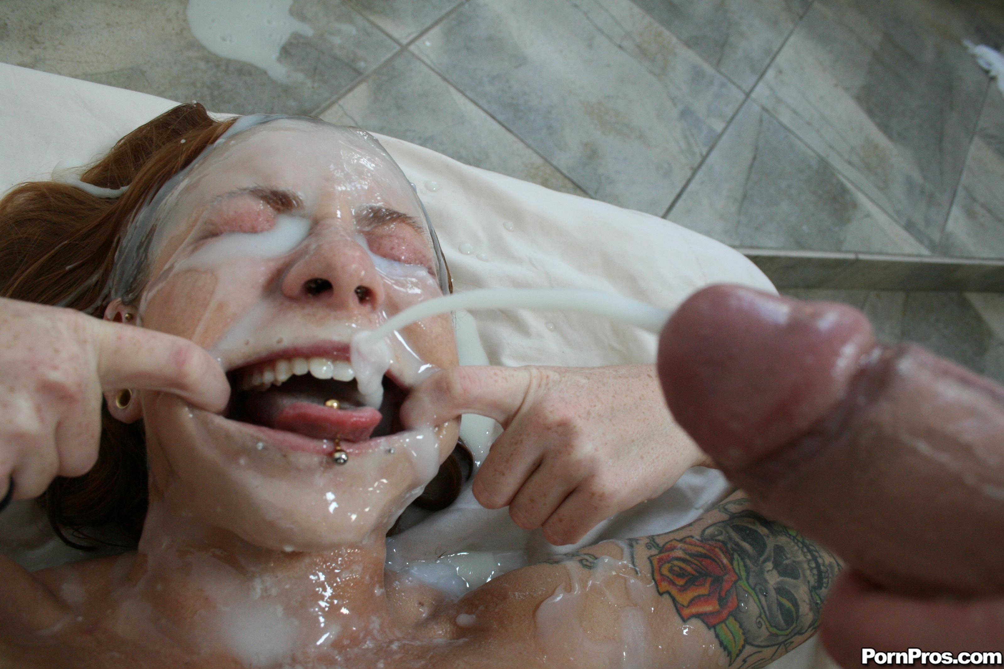 Scarlett Pain Blowjob &Tittyfucking -