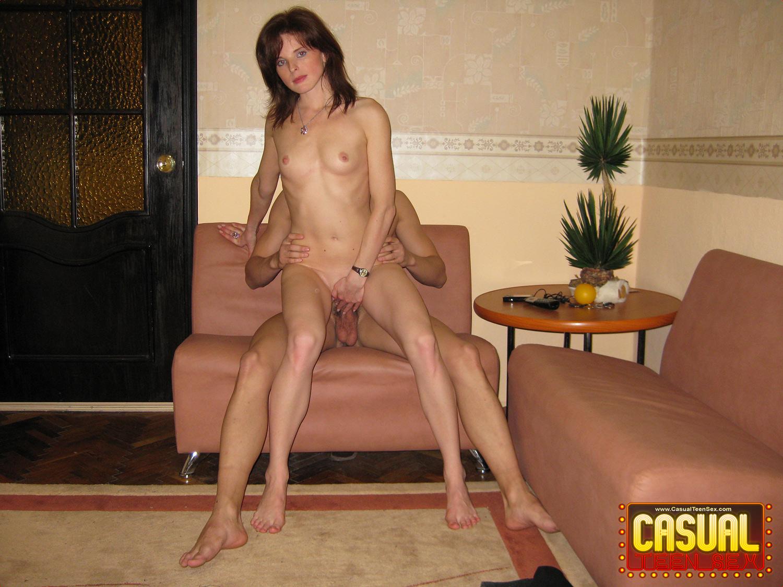 Смотреть порнуху в гостях 6 фотография